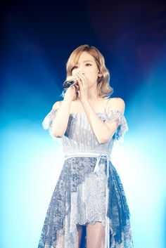 Check out SNSD TaeYeon's pictures from her 'Butterfly Kiss' concert in Busan ~ Wonderful Generation