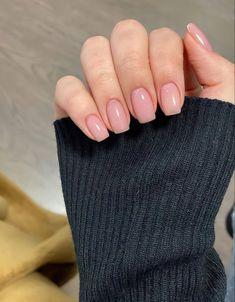 Oval Acrylic Nails, Almond Acrylic Nails, Oval Nails, Casual Nails, Chic Nails, Trendy Nails, Solid Color Nails, Nail Colors, Natural Looking Acrylic Nails