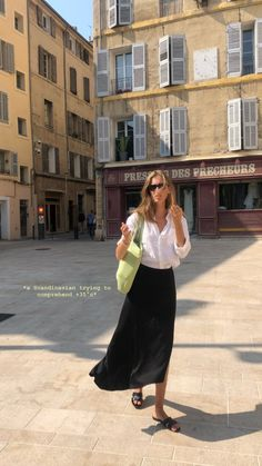 Mode Outfits, Fashion Outfits, Womens Fashion, Spring Summer Fashion, Spring Outfits, 40s Mode, Paris Mode, Parisian Style, Mode Inspiration