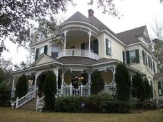 The Dantzler Home, a 1900 Victorian for sale in Moss Point, Mississippi (I WANT!!)