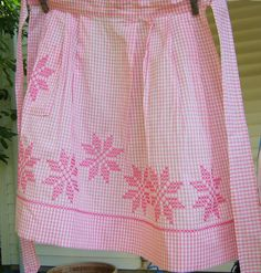 Vintage Gingham Apron Pink Snowflake Embroidery Retro Kitchen