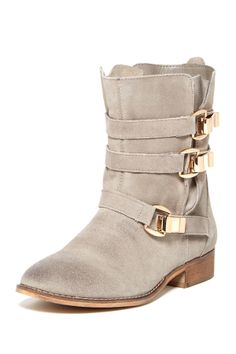 Absolutely LOVE these Boots!!! Steve Madden Haggle Buckle Boots//