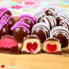 Chocolate Garnishes, Chocolate Desserts, Yummy Treats, Delicious Desserts, Yummy Food, Frozen Desserts, Summer Desserts, Dessert Sauces, Dessert Recipes