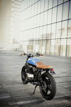 Honda CB400N - Ateliers Auguste X Dauphine Lamarck - Paris - France - #Honda…
