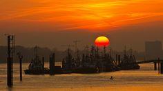 Schlepper in der Abendsonne | pixelpiraten.net