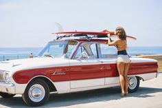 A cute honey securing her surfboard on the roof of her Falcon Ford Lincoln Mercury, Ford Falcon, Muscle Cars, F1 Posters, Surf Posters, Vintage Surf, Vintage Style, Vintage Inspired, Ford Classic Cars