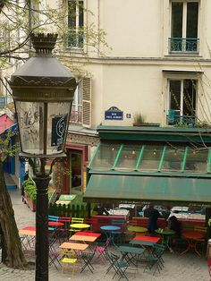 Montmartre, 8 rue Paul Albert, Paris XVIII (ahh I ate in that lovely cafe! Oh Paris, Montmartre Paris, Paris Cafe, I Love Paris, Paris 2015, Places To Travel, Places To See, The Places Youll Go, Cafe Restaurant
