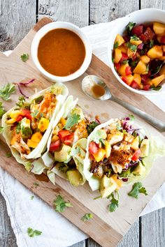 These blackened fish tacos wrapped up in a lettuce leaf, topped with peach salsa and chipotle lime dressing were fresh. Like seriously, deliciously, fresh. Seafood Recipes, Mexican Food Recipes, Cooking Recipes, Healthy Recipes, Catfish Recipes, Seafood Meals, Paleo Meals, Easy Cooking, Paleo Tacos