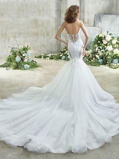 Erika Front Beautiful Wedding Gowns, Perfect Wedding Dress, Dream Wedding Dresses, Designer Wedding Dresses, Bridal Dresses, Girls Dresses, Mermaid Gown, Mermaid Dresses, Monique Lhuillier
