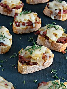 Easy Philly Cheesesteak Crostini! just 6g fat and a huge 21g protein per serving!
