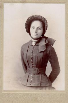 ~+~+~ Antique Photograph ~+~+~  Salvation army volunteer ca. 1890