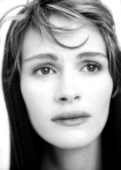 Julia Roberts by Fabrizio Ferri.