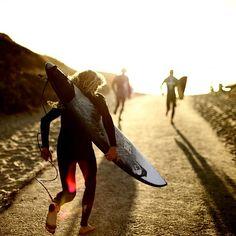 Go!!!  Why walk when you can run? Photo: Craig Anderson by Morgan Maassen #QuikSurf