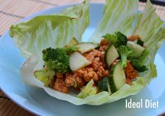 Buffalo Chicken Lettuce Wraps - Ideal Protein Phase 1 and 2 Recipes Chicken Wraps, Buffalo Chicken Lettuce Wraps, Hcg Diet Recipes, Healthy Recipes, Protein Recipes, Vegetarian Recipes, Paleo Ideas, Healthy Dishes, Clean Recipes