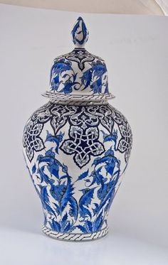 45 CM VAZO - Kültür A.Ş. Flow Blue China, Blue And White China, Turkish Design, Turkish Art, Japanese Porcelain, White Porcelain, Blue Cafe, Blue Pottery, Porcelain Ceramics