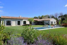 Une maison spacieuse plain pied - Mas Provence, constructeur maisons individuelles
