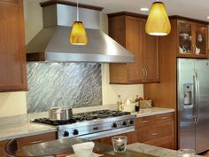 20 Stainless Steel Kitchen Backsplashes