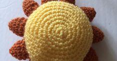 Voici un Tutoriel et un patron simplifiés pour réussir à faire un soleil en crochet.       Www. Facebook.com/atelierljj    Patron : ... Creations, Crochet Hats, Voici, Zen, Facebook, Easy Crochet, Sun, Boss, Atelier