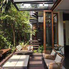 "528 Likes, 4 Comments - Verdefique-se! (@netomundimpaisagismo) on Instagram: ""Rooftop garden designs * Reference *"" #RooftopGarden"