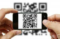 """A sigla QR significa """"Quick Response"""", ou seja, resposta rápida. Esta nova forma de comunicação foi criada e desenvolvida pela empresa Toyota, sediada no Japão. Para utilizar os códigos QR basta que tenha instalado, no seu Smartphone ou Tablet, uma aplicação que lê os códigos através da câmara fotográfica.  (Disponível para sistema Android, iOS, Windows Phone)"""