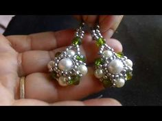 Beautiful Pearls and Crystals . Beaded Jewelry Patterns, Handmade Jewelry Designs, Handmade Beaded Jewelry, Earrings Handmade, Beaded Tassel Earrings, Seed Bead Earrings, Beaded Bracelets, Jewelry Making Tutorials, Beading Tutorials