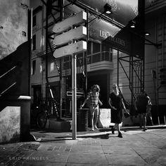 #smellofmarseille . #marseille #biancoenero #blackandwhitephotography #blackandwhite #streetphotography #streetphoto  #bnw #igersbnw #marseillerebelle #massalia #instamarseille #igersfrance #igersmarseille #planetemars #laviesurmars #revelateurphoceen #choosemarseille #marseille_focus_on #bnw_marseillecity #IC_bw #bnw_demand #bnw_madrid #everybodystreet #capturestreets #life_is_street