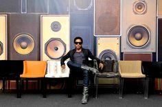 Lenny Kravitz y la Silla Mademosille de Kartell