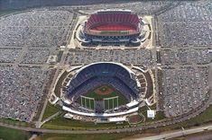 Arrowhead Stadium and Kauffman Stadium are home to the Kansas City Chiefs (football) and Kansas City Royals (baseball). Kc Royals Baseball, Baseball Park, Kansas City Chiefs Football, Kansas City Royals, Stadium Architecture, Kun Aguero, Arrowhead Stadium, Kauffman Stadium, Sports Stadium