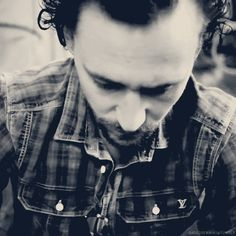 Tom Hiddleston...Here comes the smoulder...
