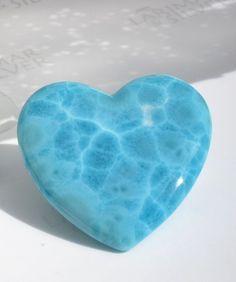 "bijoux-et-mineraux: ""Larimar Heart - Dominican Republic "" Minerals And Gemstones, Crystals Minerals, Rocks And Minerals, Stones And Crystals, Gem Stones, Larimar Jewelry, Gems Jewelry, Healing Stones, Crystal Healing"