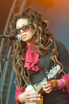 Love this look... Valerie June
