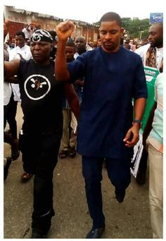 How The Attack On Charly Boy & His #RESUMEORRESIGN Team Started In Wuse Market Today http://ift.tt/2wa7edc
