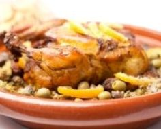 Tajine de poulet aux pommes de terre et olives vertes (facile, rapide) - Une recette CuisineAZ