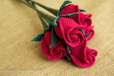 pattern and instructions for my Closed Rose flower. Inside you'll find a pattern diagram, instructions in American Standard Terms, and a guide with photos (300dpi).