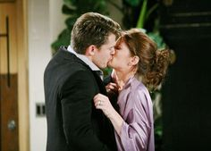 Do you think a moment of passion with Ronan was worth Phyllis ruining her marriage with Nick? #YR #Affairs