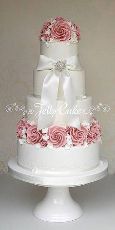 Vintage pink roses wedding cake.