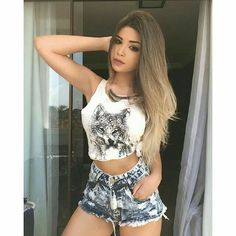 """Find and save images from the """"Amanda hummer"""" collection by Bad Girl on We Heart It, your everyday app to get lost in what you love. Teen Fashion, Fashion Outfits, Womens Fashion, Girls Dpz, Hummer, Girl Photography, Look Cool, Malta, Cute Girls"""