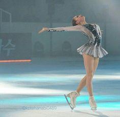 Katharina Witt, Ice Skating Pictures, Skate Photos, Alina Zagitova, Medvedeva, Ice Skaters, Ice Dance, Figure Skating Dresses, Skates