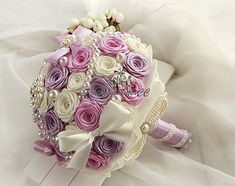 Exquisite Lavender Pink Wedding Bouquet Roses Bow Knot Wedding Flowers Satin Ribbon Bridal Bouquet with Pearls Jewels Beads Rhinestones
