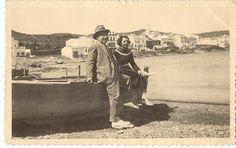Eliseo Meifrén y María Luisa Rancé, hija de su segunda esposa, en Cadaqués.