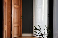 dark walls, white and wood