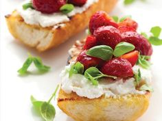 Farmers' Market Recipe Finder: Strawberries: Strawberry-Cheese Toasts http://www.prevention.com/food/healthy-recipes/farmers-market-recipe-finder-strawberries?s=7&?cm_mmc=Eat-Up-Slim-Down-_-1678160-_-04282014-_-farmers-market-recipe-finder-strawberries