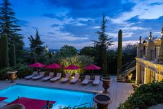 Time stood still at this quintessential hotel in Aix-en-Provence. This 18th century Provençal house and its surroundings (member of Re...