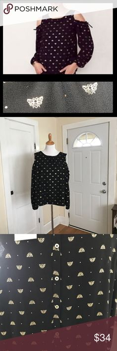 LC Lauren Conrad Dotted Bee cold shoulder top NWT. Adorable LC Lauren Conrad 'Dressed to Frill' cold shoulder top. Black with gold bees and a button down back. Size XL. LC Lauren Conrad Tops Blouses