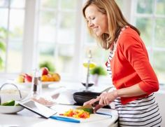 You may have heard that the new U.S Dietary Guidelines are now available! These guidelines set the standard for healthy eating in the United States. Making sense of the new guidelines can be tough, but we're here to explain them to you!