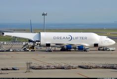 Boeing 747-4J6(LCF) Dreamlifter aircraft picture