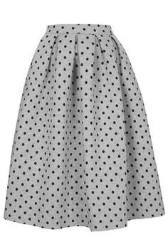 I love the length and fit of this skirt! I'd love to wear it with a polo neck or long sleeved knitted jumper!