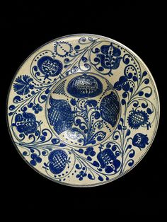 Plate from Kingdom of Hungary / Transylvania (Barcaság, Burzenland, Țara Bârsei), ca. Victoria & Albert Museum - London Images may be reproduced only with written permission of V Images, vaimages 207 942 2479 Old Pottery, Pottery Plates, Ceramic Pottery, Blue And White China, Blue China, Contemporary Decorative Art, London Museums, Blue Plates, Victoria And Albert Museum