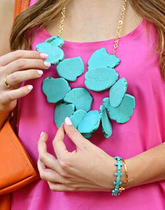Pink e turquesa Wild Style, My Style, Orange And Turquoise, Aesthetic Fashion, Who What Wear, Types Of Fashion Styles, Pink Tops, Nice Dresses, Fashion Jewelry