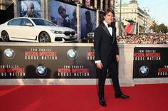 """""""Misión: Imposible – Nación Rogue"""", la última película de la serie de acción legendaria de Paramount Pictures y Skydance, celebró su estreno mundial en la Ópera Estatal de Viena. Como el socio exclusivo de automóviles, BMW Group proporcionó los vehículos de la flota de transbordadores VIP BMW en el evento. En medio de una multitud..."""